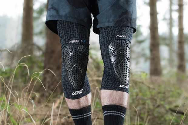 Leatt 3DF AirFlex knee pads