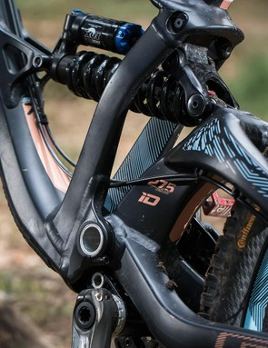 GT's floating BB Independent Drivetrain design keeps things efficient under power