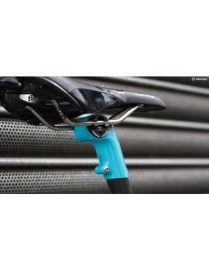 Customers can choose the integrated seatmast or a traditional seatpost