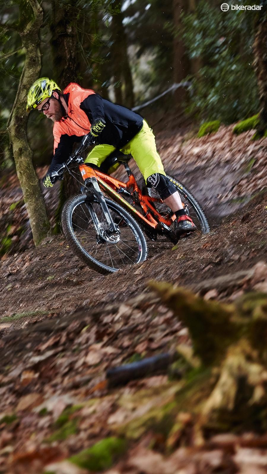 RockShox's Sektor teams up with tubeless Maxxis rubber for way more control than fork snobs would expect