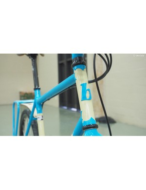 The two-tone paint work sets off the head tube lugs