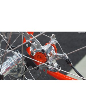 The knobs on the Paul Components mechanical disc brake conveniently match the paint job