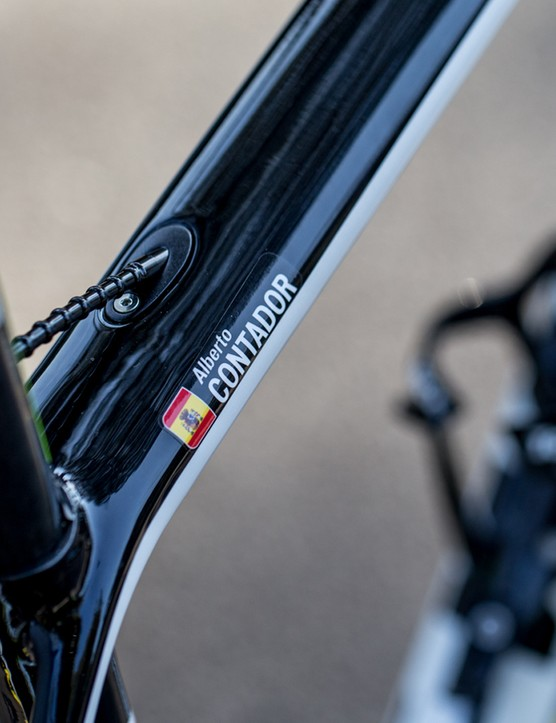 Contador's name badge in its customary place