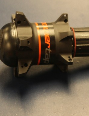 The new G3 Disc hub for road bikes will ship with end caps for both 142x12mm thru axle and 135 quick release