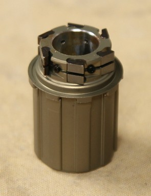 The 6-pawl freehub body of the G3 Disc