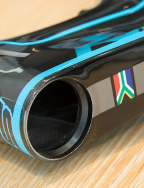 Alloy inserts inside the tapered head tube