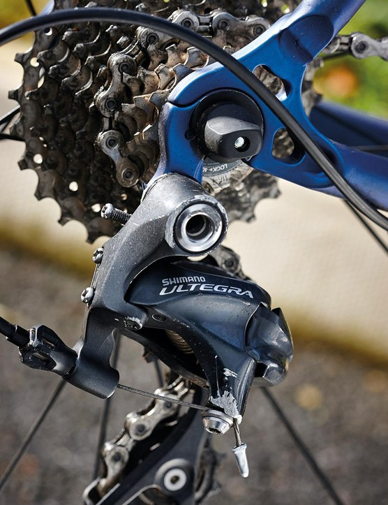 Ultegra kit is very high quality, but a bike like the Legend really demands something more exotic
