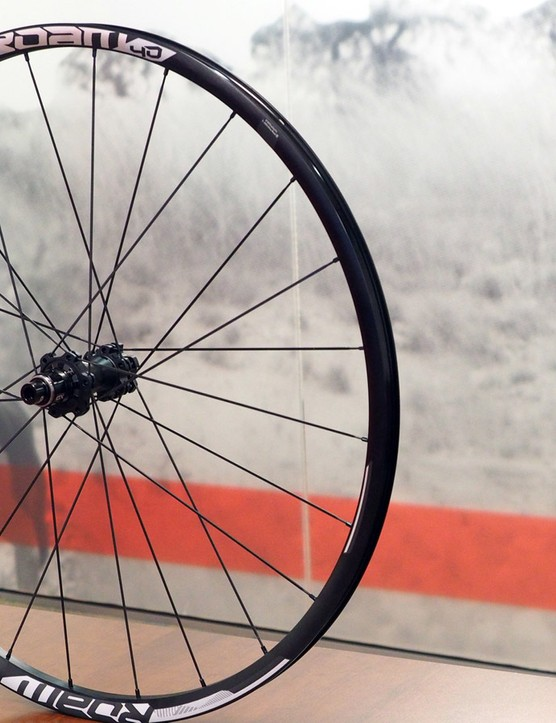 SRAM is limiting Boost-compatible complete wheelset options to the 29-inch Roam 40 model for now, but more will follow