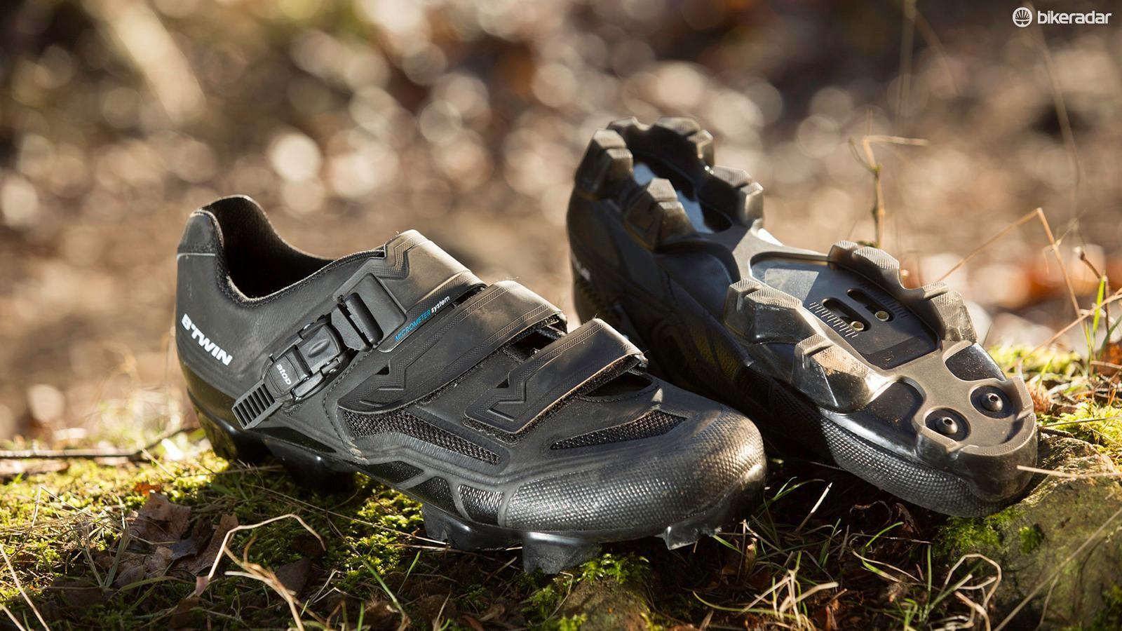 B'Twin 520 shoes