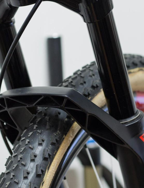 The DT Swiss fork of Nino's bike is reduced to 100mm of travel from the factory 120mm setting