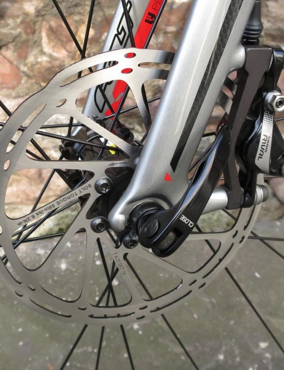The fork has a post mount for the front disc