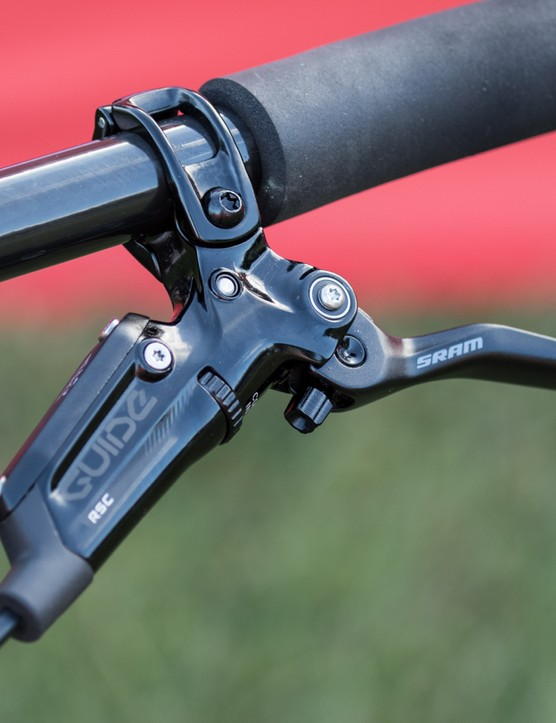 SRAM's new Guide RSC brakes handle the stopping duties