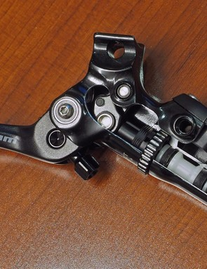The Guide Ultimate has the same lever body and feature set as the Guide RSC shown here, but incorporates a carbon lever and Ti hardware