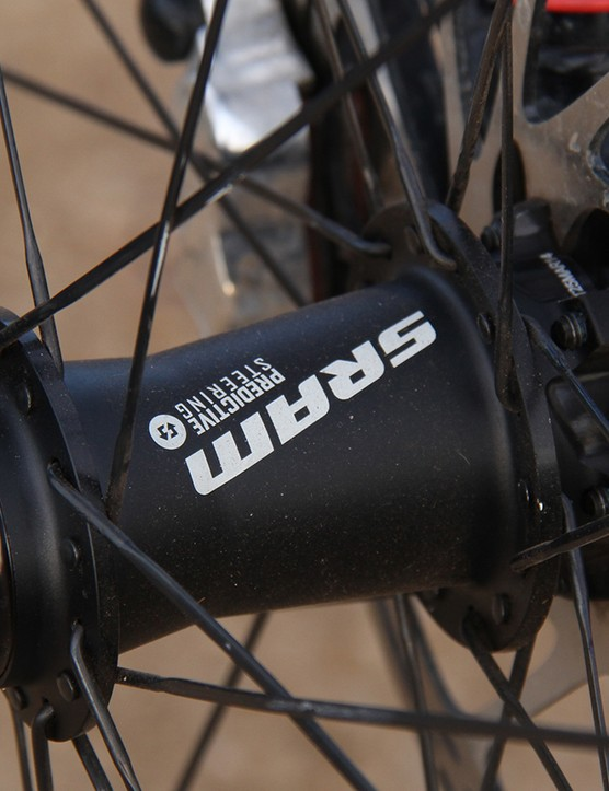 The RS-1 lowers are held together by a proprietary 110x15mm front hub that relies on oversized, 27mm endcaps to bolster stiffness