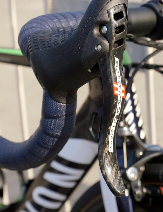 There's plenty of carbon on Campag's top-end groupset