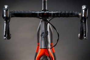 The RLT 9 Steel comes with a full carbon fork with tapered steerer