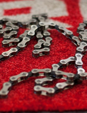 SRAM has chosen to use the same 258g 11-speed solid pin chain as debuted in its X1 drivetrain