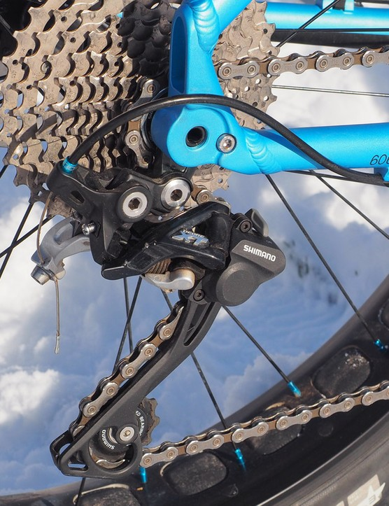 The Shimano Deore XT rear derailleur, Deore front derailleur, and Deore shifters worked flawlessly together