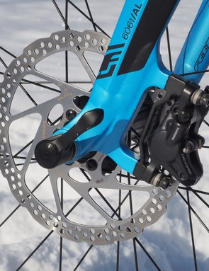 Kudos to Felt for including a bigger 180mm front rotor for extra stopping power. Once those big wheels get rolling, it isn't always super easy to get them reigned back in