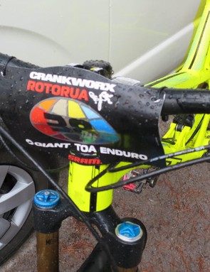 Hidden under his number plate Dan Atherton had a new carbon version of the PRO Atherton 800mm bars. The shape is a touch different to the alloy ones, with a degree less sweep, we're led to believe