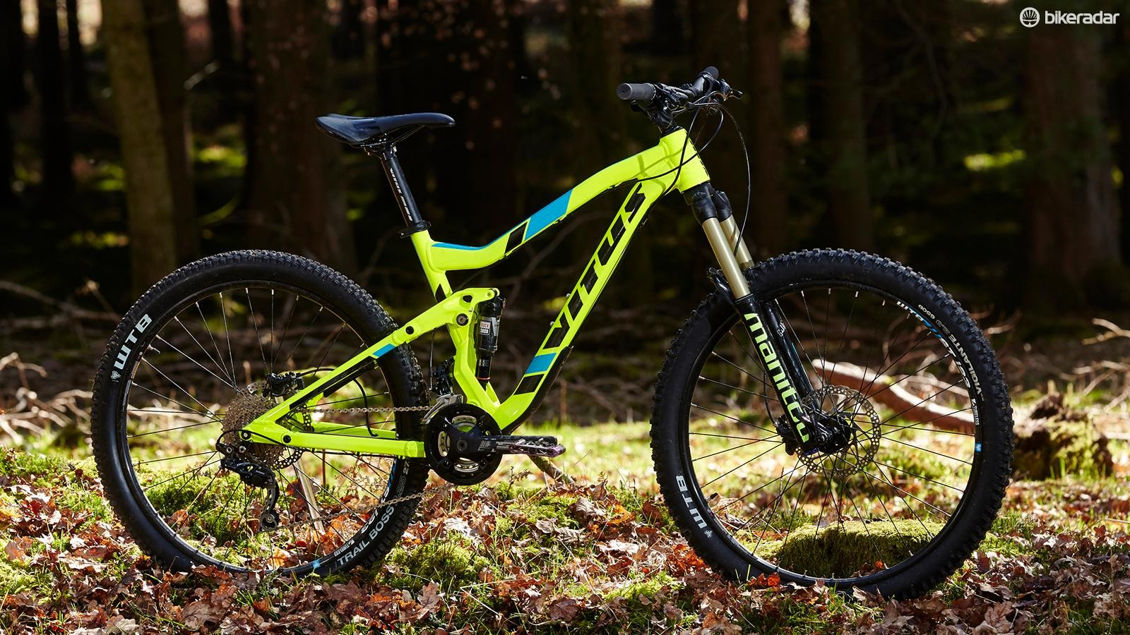 Beyond the Vitus Escarpe's fluoro paint job lies an impressively thought out ride