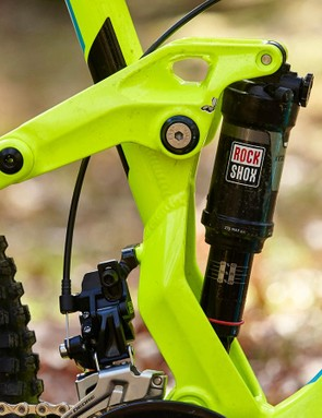 The shock is mounted to the end of the rear swing arm rather than the mainframe, allowing Vitus to fine tune its spring rate as the suspension compresses