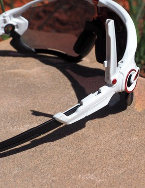 The earpieces can be adjusted to three different lengths. Instead of using a simple snap-together toggled setup, Oakley instead uses a more complex hinged arrangement