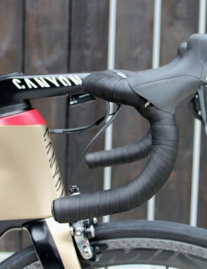 With 14cm of saddle-to-handlebar drop, Kristoff has his hoods kicked up high on the bars