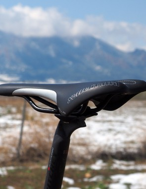 The Selle Italia SLR saddle is firmly padded but nicely shaped