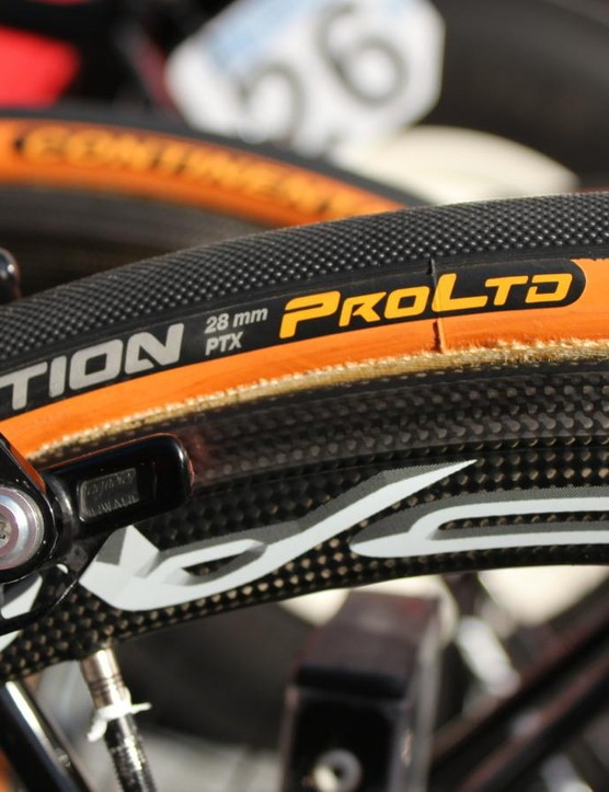 While Belgian Continental teams used more traditional 25mm or even 23mm, WorldTour teams like Lotto-Soudal favored bigger tubulars, up to 28mm