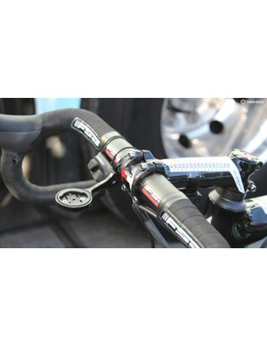 Trentin ran the Di2 climbing switch —but on the opposite side of the bar, for use with the index finger instead of the thumb as Shimano intended. Also note the sprint shifter in the standard position