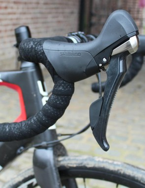 Shimano's 105-level 11-speed hydro levers, while a touch heavier than the top-end offering, feel great as perches and when shifting and braking