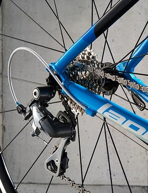 The 12-28 cassette provides a good spread of gears