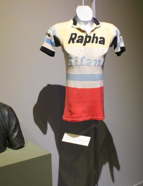 The original Rapha jersey… belonged to the Rapha-Gitan team. The bust is of Tom Simpson, who died of a drug overdose on the bike, but not before winning the 1961 Tour of Flanders