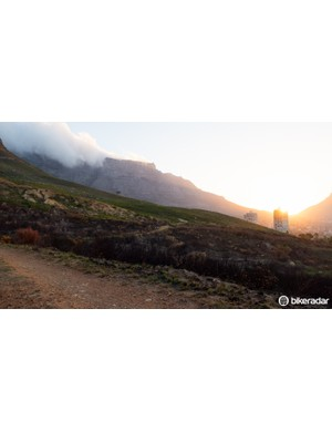 Starting in Cape Town, the Prologue takes riders on the base of Table Mountain