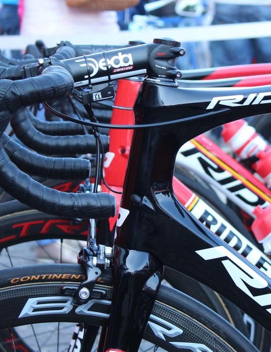 Being an endurance bike, the Fenix sports a sizable headtube