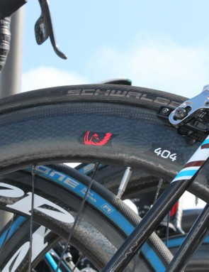 Wheels in the 50-80mm depth are common at Scheldeprijs — a pancake-flat course with a sprint finish