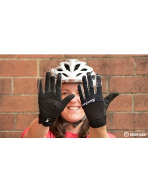 Five-a-side with these Race Face DIY women's gloves