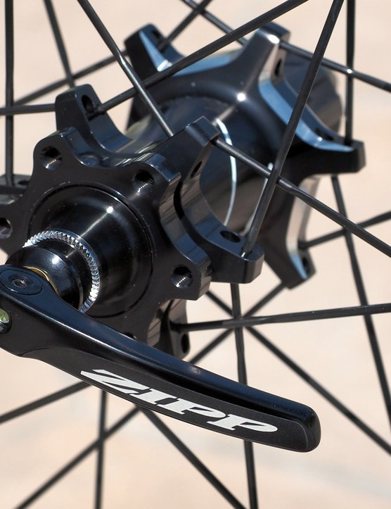 The new hubs feature factory preset bearing preload, six-bolt rotor compatibility, interchangeable end caps for quick-release or thru-axle applications, and oversized 17mm-diameter aluminium axles. The quick-release skewers have also been revamped with wider levers and cylindrical cams