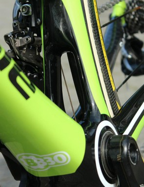 The Synapse's definining visual feature is the split down tube above the bottom bracket
