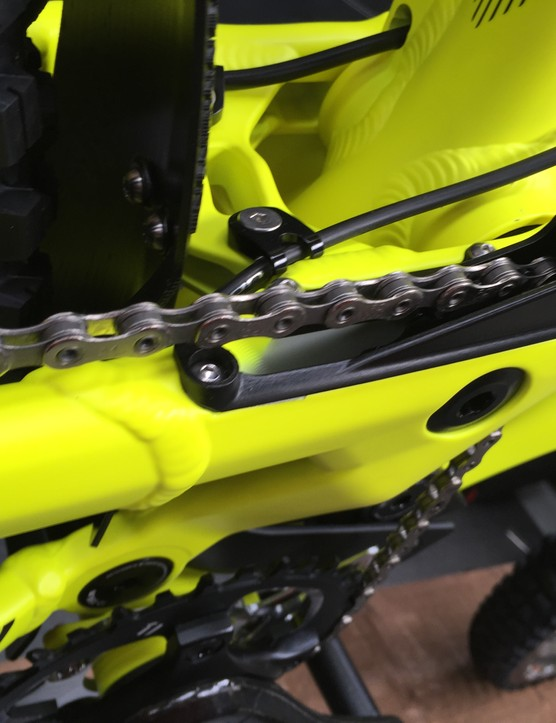 The idler roller is neatly integrated into the swingarm - no nasty looking bracketry here