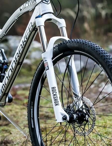 Up front the RockShox fork has a quick release axle, meaning there's flex when pushed hard