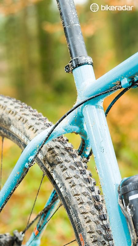 The skinny 27.2mm seatpost means plenty of give, but it will be hard to fit a dropper post