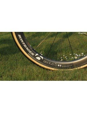 Trek uses a special edition of the Bontrager Aelous 5 rim, which is better suited for wider tubulars. Trek-sponsored cyclocross racers use this same rim