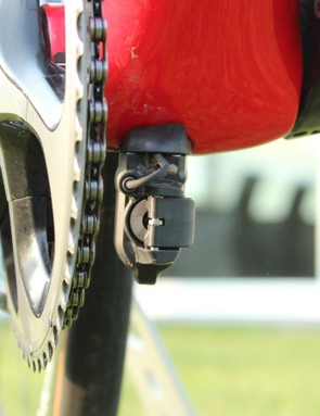 Although Shimano makes an internal Di2 battery, Trek prefers the larger original because it can be bolted solidly to the frame instead of suspeneded inside the seat tube