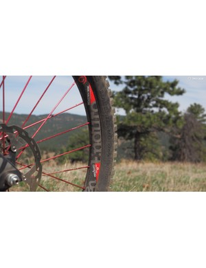 I was so impressed with the Industry Nine Enduro 27.5 wheelset that I reviewed several months ago that I ended up buying them. They're not quite as wide as I might ideally prefer but their incredible stiffness is a great match for the Lapierre frame - and it doesn't hurt that the red anodized aluminum spokes match the rest of the bike