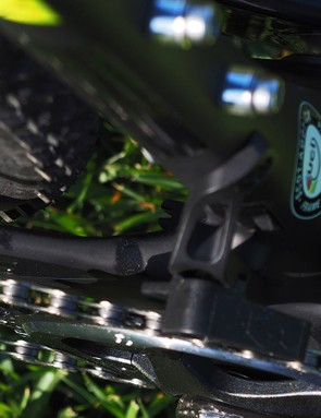The chainstays are tall and pointed up top near the bottom bracket, a shape that Scott claims actively cleaves excess mud from the tyre