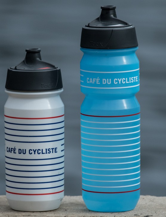 Matching your bidons to your kit is next level style