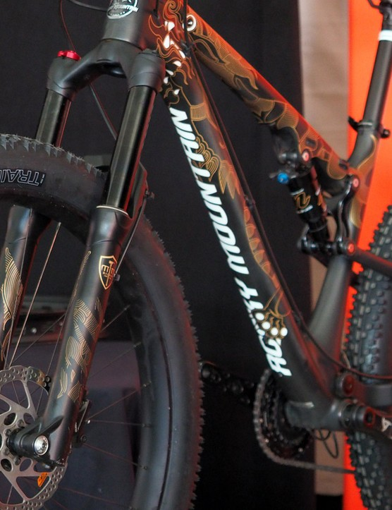 Manitou is making the new Magnum 'plus' suspension fork in two models: one for 27.5in+ wheels and the other for 29in+ ones, both with specific offsets and axle-to-crown lengths
