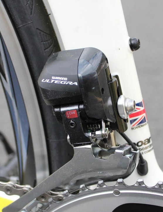 The Di2 front derailleur auto-trims for quiet performance, every time